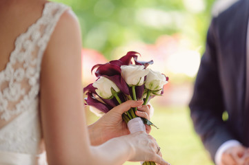 Closeup of Calla and Rose Bouquet