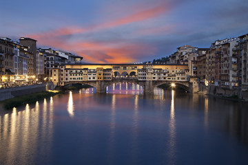Fototapete - Ponte Vecchio bridge at sunset. Florence, Italy
