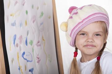 Портрет девочки в образе художника, рядом с картиной
