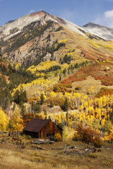 Fototapete - Old barn near Telluride, Colorado