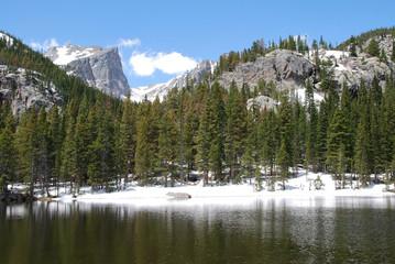Wall Mural - Nymph lake et Hallett Peak, Rocky Mountain National Park, CO