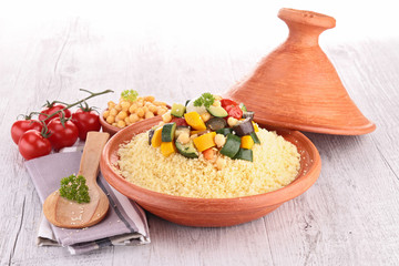 Fotobehang - tajine with vegetarian couscous