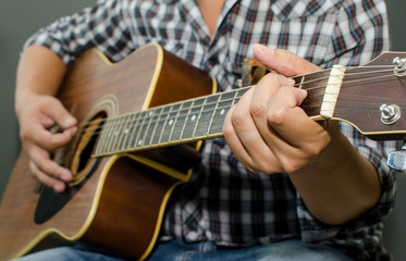 Acoustic Guitar - Playing