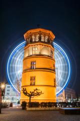 Düsseldorf bei Nacht mit Riesenrad