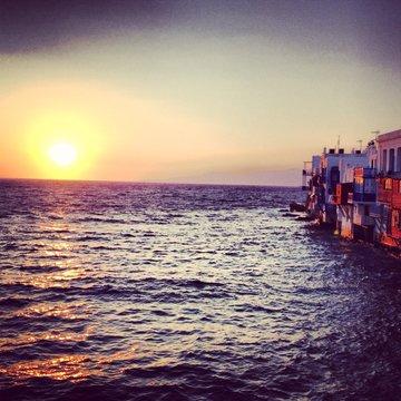 coucher de soleil en grece