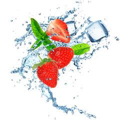 Deurstickers In het ijs strawberry in water splash