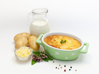 Kartoffelgratin in Auflaufform