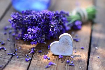 Herz mit Lavendel