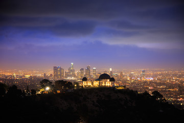Klistermärke - Los Angeles at night. Griffith Observatory.