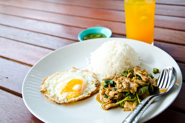 Thai fast food is lunch