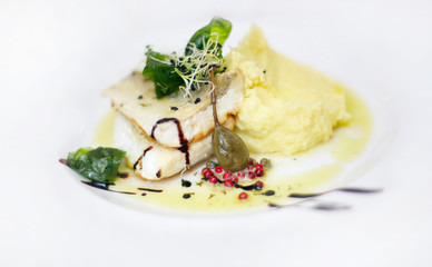 Grilled pikeperch with mashed potatoes with truffle