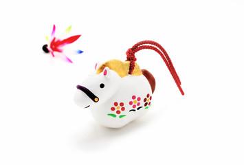 馬年(午年)人形と羽根 |正月イメージ素材