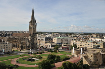 Caen, Eglise Saint Pierre et la Barcanne du château