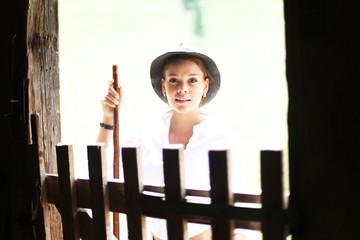Frau am Bauernhof