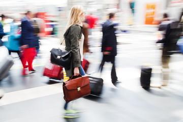 Reisende in Bewegung