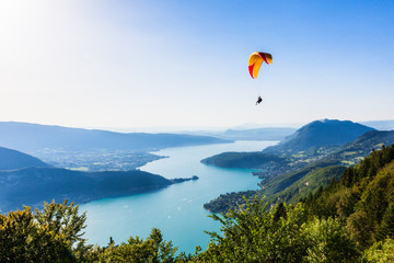 Tuinposter Bergen View of the Annecy lake from Col du Forclaz
