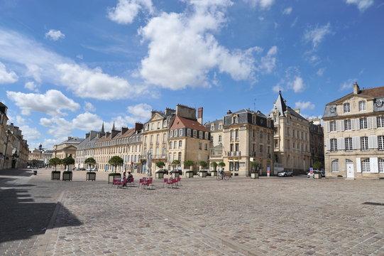 Place Saint-Sauveur 2 (en triangle), Caen