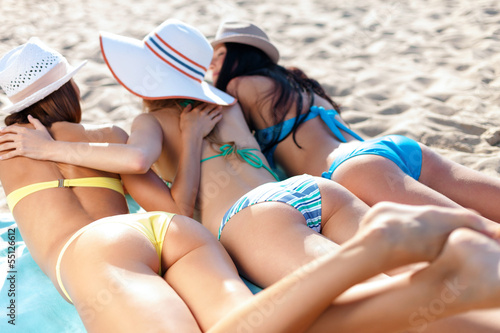 Cute teen girl Lia Kate gets totally naked on a sandy beach № 272695 без смс