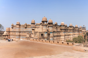Foto auf Leinwand Befestigung Fort and Palace of India's Gwalior is built on a cliff.