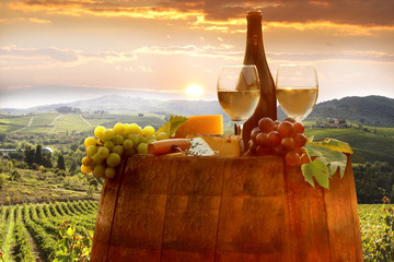 Fototapete - Vine landscape in Chianti, Italy