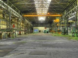 Alte verlassene Fabrikhalle im Osten von Deutschland