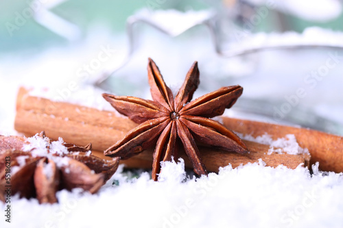 weihnachtliche gew rze sternanis und zimt stockfotos. Black Bedroom Furniture Sets. Home Design Ideas