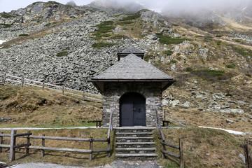 Wall Mural - Sölkpass Gipfelkirche