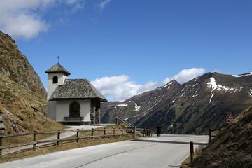 Wall Mural - Gipfelkirche am Sölkpass