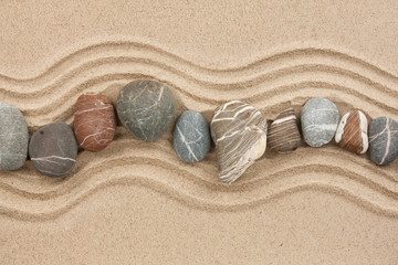 Papiers peints Zen pierres a sable Striped stones on the sand