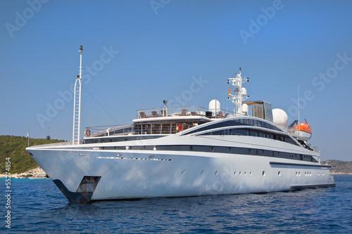 luxus motorboot yacht motoryacht stockfotos und lizenzfreie bilder auf. Black Bedroom Furniture Sets. Home Design Ideas