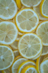 Zitronenscheiben in Limonade
