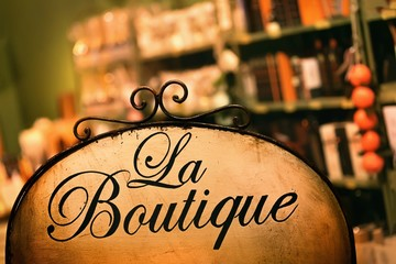 """Information board with the word """"Boutique"""""""