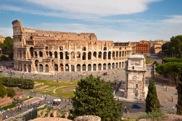 Fototapete - Colosseo and arc of Constantine  from Roman forum at Rome
