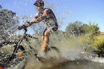 mountain bike splashing