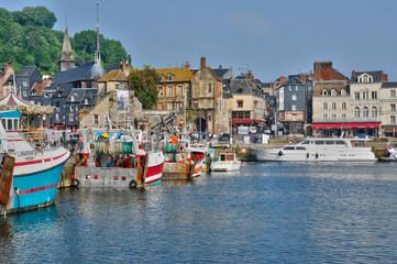 picturesque city of Honfleur in Normandie Fototapete