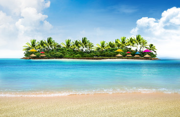 Tuinposter Eiland summer holiday background and island with palm trees
