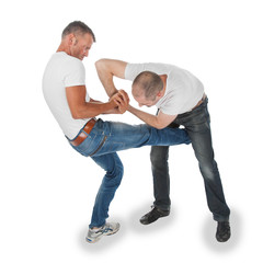 Man trying to kidnap another man, selfdefense, kicking in groin