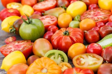 Fotobehang Kruidenierswinkel colorful tomatoes