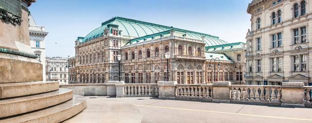 Foto op Plexiglas Wenen Wiener Staatsoper (Vienna State Opera) in Vienna, Austria