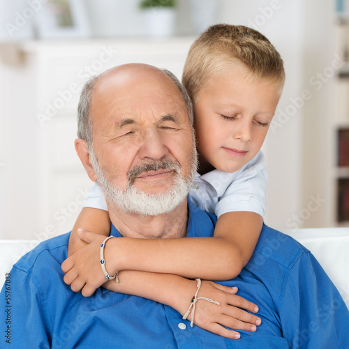 любимая внучка сосет у деда фото