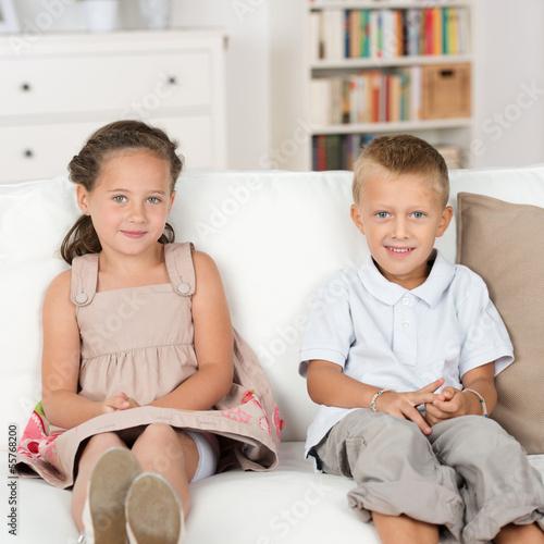 смотреть старший брат трахнул младшую сестру