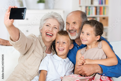 family caregi alzheimers effects - HD1408×940