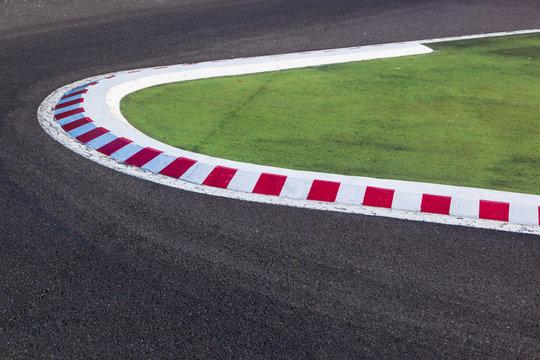 Kurve einer Rennstrecke - Autorennen