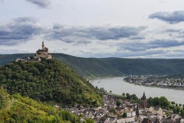 Marksburg über dem Rheintal