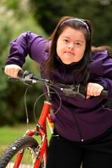 trisomique femme faire du vélo