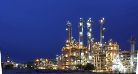 Fotobehang Industrial geb. Night scene of Petrochemical factory