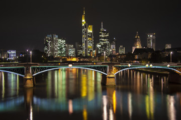 Nachtleben Frankfurt am Main Syline bei Nacht