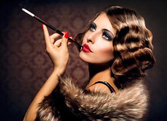 Obraz Retro Woman Portrait. Beautiful Woman with Mouthpiece - fototapety do salonu