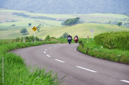 Fototapete コーナーにさしかかる2台のバイク