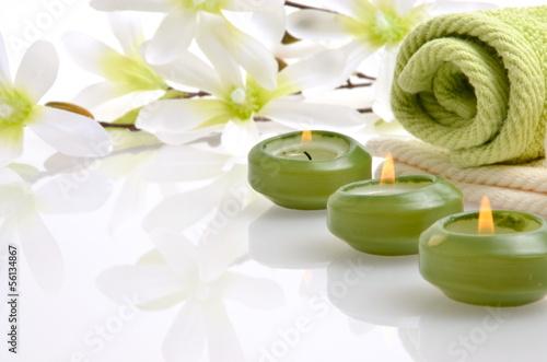 Wellness bilder grün  Wellness Grün Magnolie Kerzen